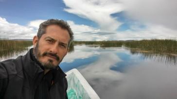 Viajando hacia las Islas de los Uros. Perú.