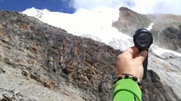 Campamento Alto 5130 msnm. y cumbre del Huayna Potosí al fondo.