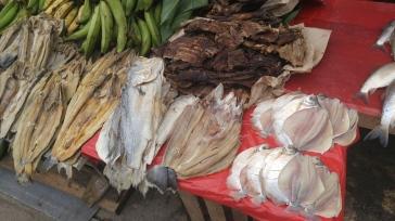 Venta de pescado. Puerto de Nanay.