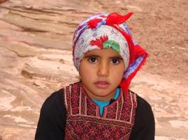 Niña beduina en Petra.