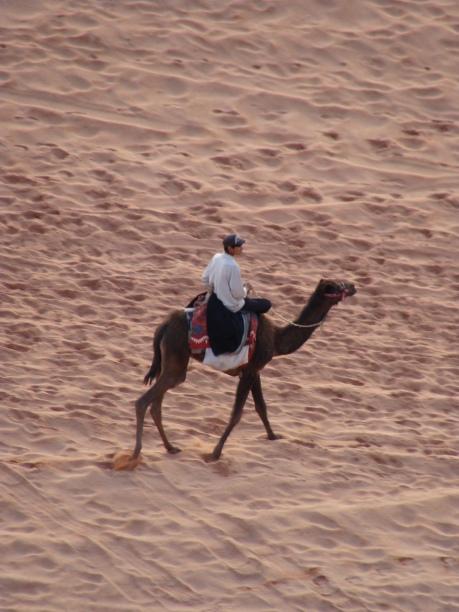 Beduino en el desierto de Wadi Rum.