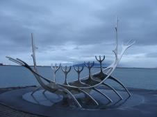 Monumento a Barco Vikingo.
