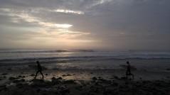 Atardecer en Huanchaco. Surf.